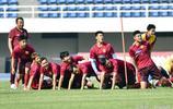 中國U20男足在京集訓 領隊孫繼海身體力行