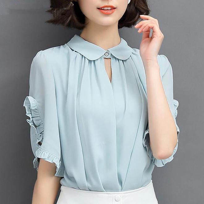 穿膩了高腰遮身連衣裙,穿上雪紡印花V領顯瘦襯衣,氣質優雅顯瘦