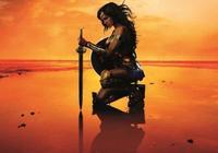 《神奇女俠》:英雄產業、華納兄弟與二次元改編