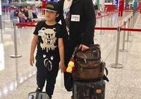 吳鎮宇帶兒子費曼現身機場 網友:費曼經歷了什麼?