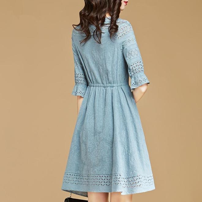 四月學70後精緻女人這樣穿,蕾絲裙+美高跟,優雅顯瘦時尚迷人