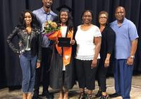 哈里森-巴恩斯晒圖慶祝親妹妹高中畢業