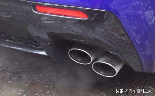 應該原地熱車還是低速行駛熱車?不熱車會傷發動機嗎?