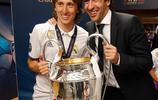 皇家馬德里成為首支蟬聯歐冠的球隊,賽後慶祝圖集三