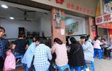 實拍東莞人氣最旺的糖水店,人均消費25元,連檔口外都坐滿了人!