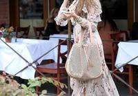 性感尤物索菲婭-維加拉穿花裙 胸前肉彈醒目