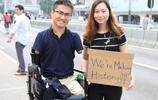 他天生殘疾沒有四肢卻成為一國支柱,娶了漂亮妻子還出軌50多人