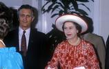 也曾是氣質美人 伊麗莎白二世女王的趣事合集