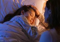 寶寶睡前給他講故事還是聊天?美國專家:3年後孩子差異巨大!