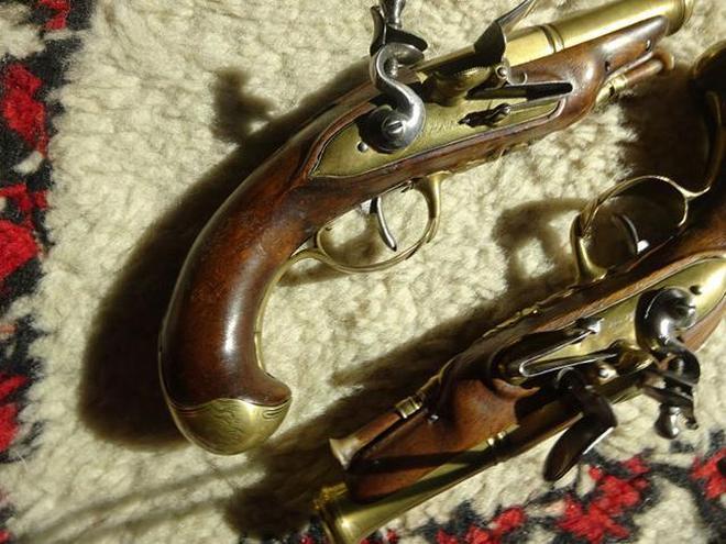 一對製作於1780年的袖珍燧發槍,原主人是一位法國富有的海軍官員