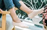 現在的襪子可真厲害,配高跟鞋,瓢鞋、運動鞋穿,太美了