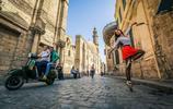 開羅街頭優雅舞姿