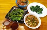 漂在上海的東北銀,吃口家鄉山野菜,貴得肉疼,但不吃不愚拙兒