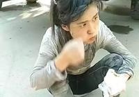 水泥妹最近火了,安徽蕭縣90後農村姑娘為生計扛水泥,讓人心酸