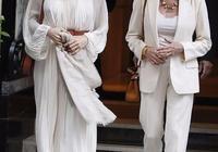 安吉麗娜·朱莉與74歲女神素顏並肩齊行,朱莉褶襉裙宛如仙女