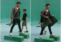 娛樂圈年輕偶像現在競爭這麼激烈了?黃景瑜187cm還要墊增高墊兒