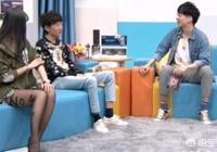 """腐團兒再次解說LOL,官方開啟""""男友視角""""模式,網友:導播加雞腿!你怎麼評價?"""