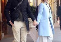 伊萬卡穿黑大衣氣質無敵,演繹極致高級感,男神老公卻遇中年危機