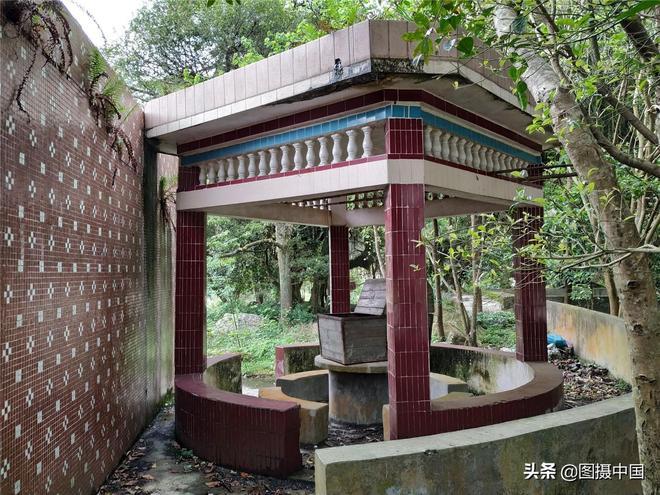 廣東農村一間山區小學,羅定船步石洞小學,早已荒棄