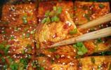 老媽做的街邊最火爆的小吃—香煎豆腐,味道太棒了,我都能吃一盤