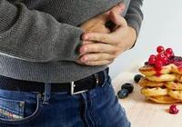 """飯後5個症狀持續出現,說明你腸道""""老了""""……趕緊保養!"""