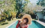 陳赫妻子張子萱穿紅色泳衣晒清涼泳照,清純甜美超級辣媽