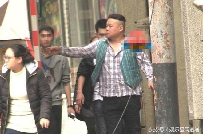 岳雲鵬新造型曝光,一頭小卷發像極80年代的上海貴婦