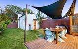 兩個庭院案例:兩個用防腐木做庭院裝飾防水實用的私家花園案例