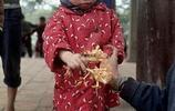 1973年河內罕見彩色照片:寺廟到處是漢字,民眾精神面貌如中國人
