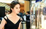 劉亦菲身著黑色優雅禮服,如此美麗的劉亦菲真讓人喜歡