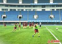 中國女足明晨戰西班牙隊,兩隊主帥都放言贏球,輸球隊晉級有困難