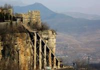 2012年,山東挖出一青銅器,專家說是春秋戰國大墓,而且沒有被盜