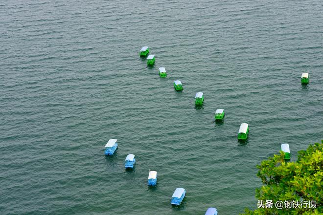 這個湖面積比滇池小,可是蓄水量是滇池的12倍,這是怎麼回事?