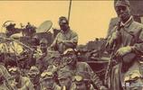 老照片:坦克開道,鬼子進村真實畫面,與影視劇相差甚遠