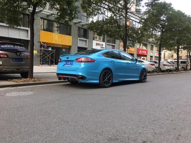 90後女生,最近打算買輛車,看了一下20萬左右的車排行榜,新蒙迪歐值得入手嗎?