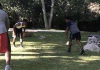 巴特勒和職業選手比拼橄欖球:我的橄欖球夢溜走了