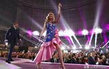 布麗·拉爾森別緻穿搭現身《復聯4》首映禮,造型精緻大秀好身材