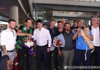 施密特團隊抵京,李明熱情接機