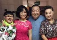 鞠萍姐姐生活照曝光,髮型30年未變有些發福,準兒媳很漂亮!