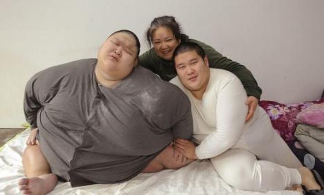 直擊一名單親媽媽和兩個肥胖症兒子的生活日常,未來難以想象