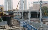 哈爾濱,霽虹橋連接橋正在進行鋪裝