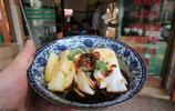 """昆明美食小吃""""安寧八街涼卷粉"""",配上現烤燒豆腐,令人回味無窮"""