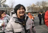 變胖只為逗笑觀眾,36歲的賈玲素顏也能當女神,看起來超暖心!