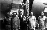 美國LIFE記者拍攝的歷史時刻,毛主席單刀赴會蔣介石!