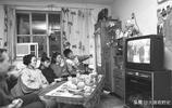 罕見80年代老照片,圖4標準的小康之家,圖5當時的專車
