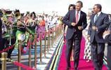 28年物是人非:奧巴馬當上美國總統後,回到非洲家鄉的情景
