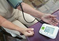醫生呼籲:血壓高的人,用藥時要注意這5件事,別吃錯了都不知道
