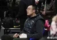 遼寧男籃輸掉首個主場後,韓德君在球員通道和每一個隊友擊掌鼓勵,對此你怎麼評價?