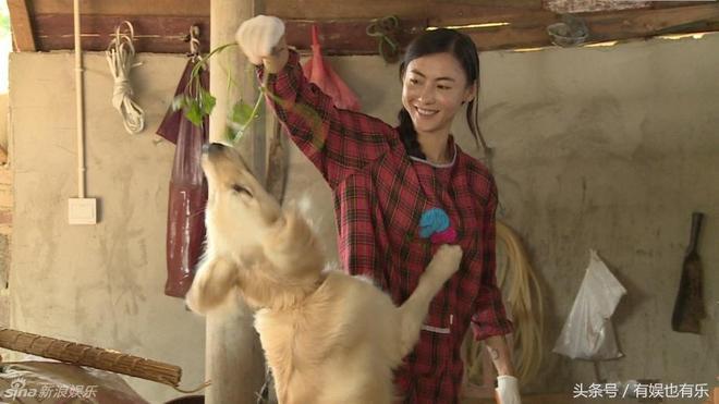 一組女明星幹農活的照片,秋瓷炫光腳丫最接地氣,有的死去活來!