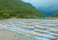 雲南省一個比九寨更美的地方,名叫藍月谷,可以說是人間仙境